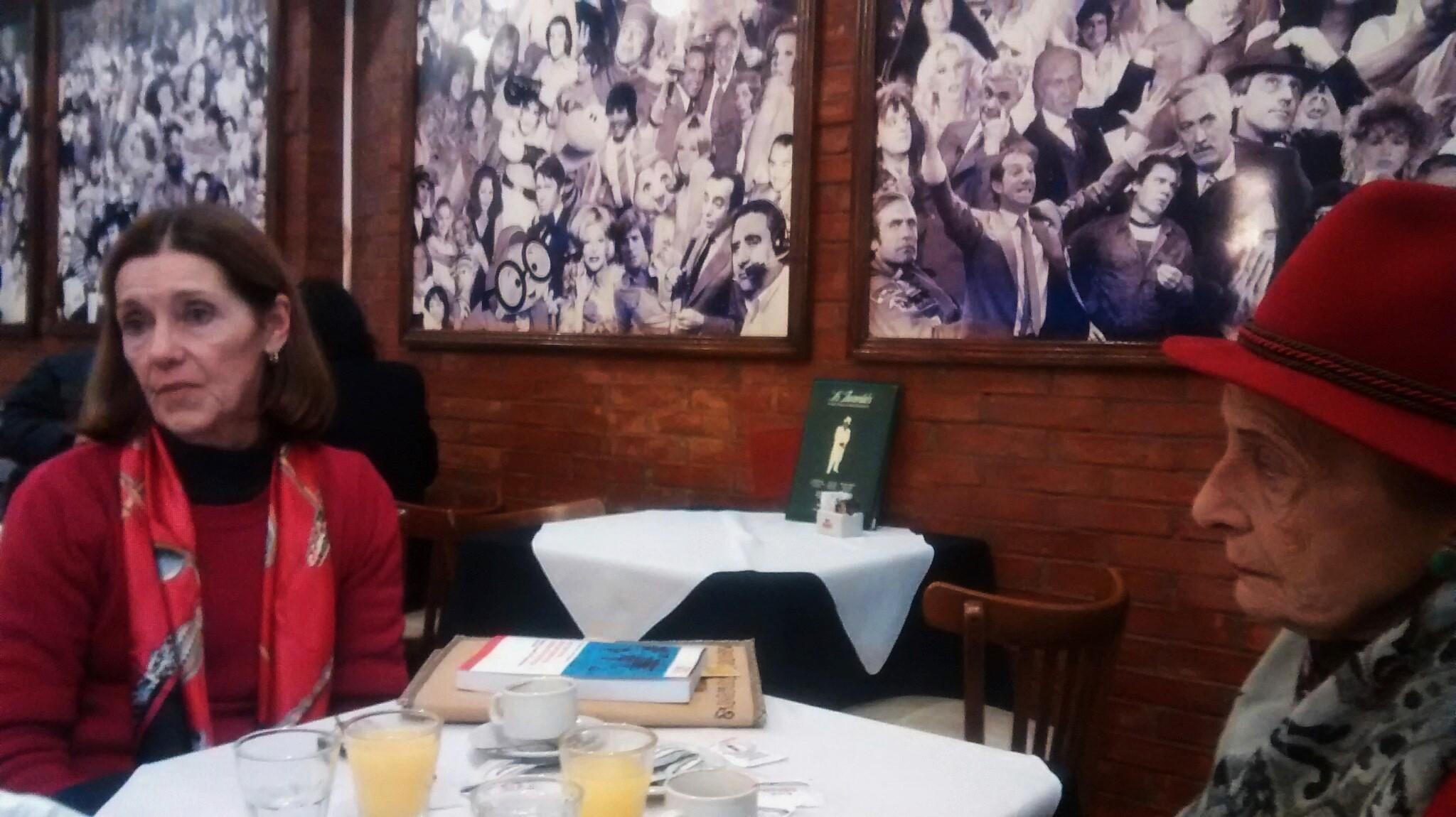 Buenos Aires, Café los Inmortales. Miércoles 24 de junio 2015.