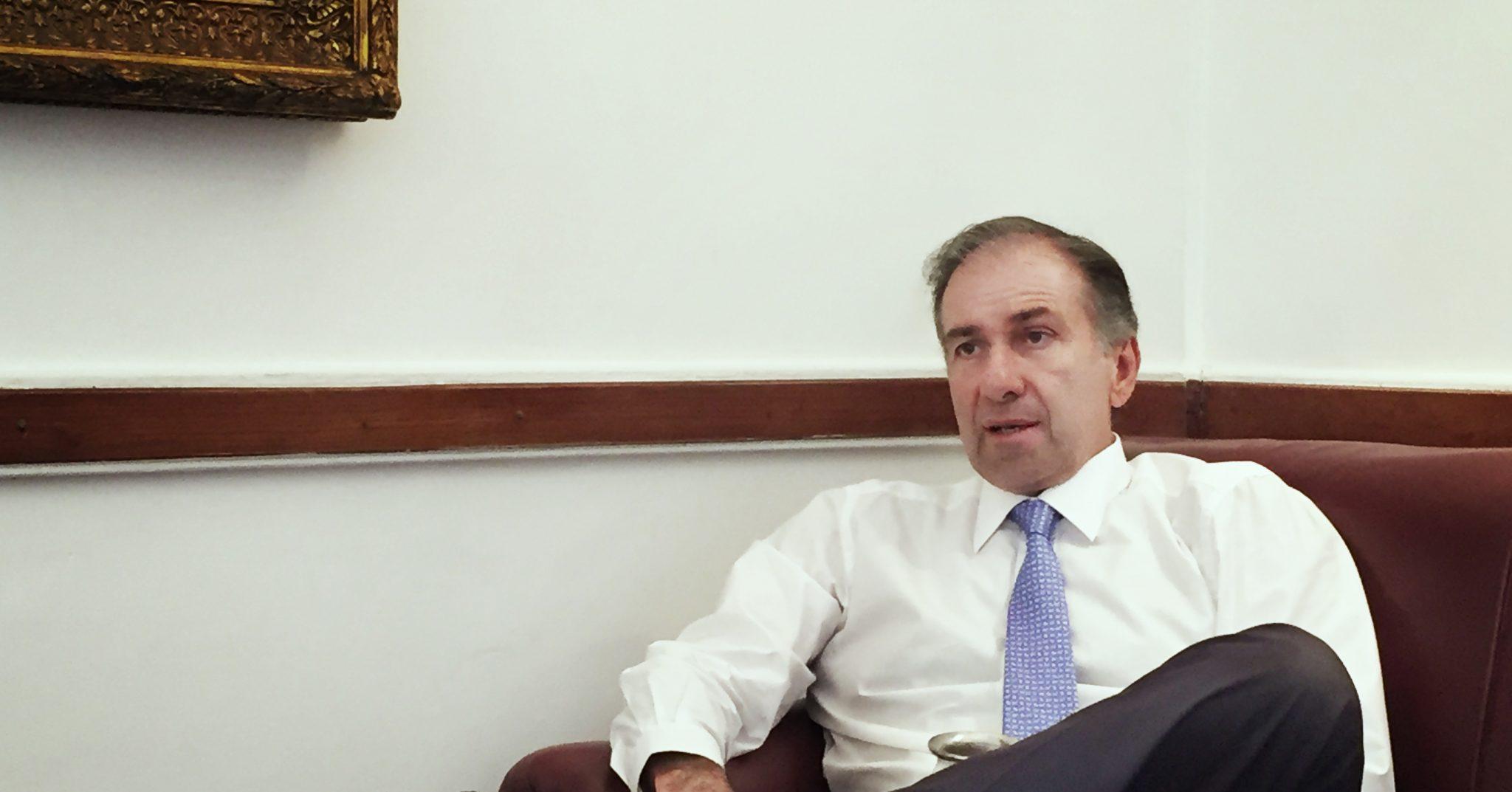Jueves 12 de abril de 2018, oficina de Humberto Schiavoni en el Congreso de la Nación, Buenos Aires