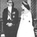 Arturo Frondizi y la reina Isabel II de Gran Bretaña