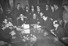 Arturo Frondizi recibe a los representantes de las 62 organizaciones